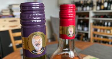 Graham Norton's celebrity wines: tasting the Sauvignon Blanc and 'Pink by Design'